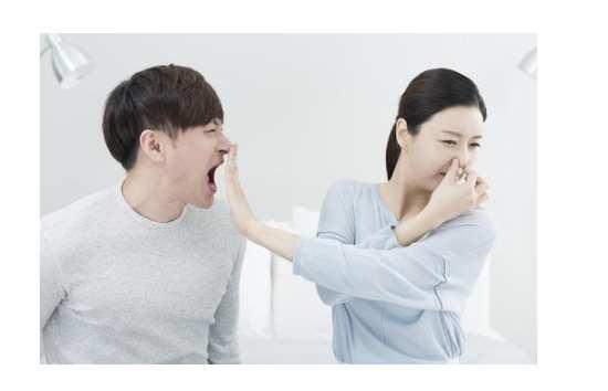 如何区分肝臭和口臭