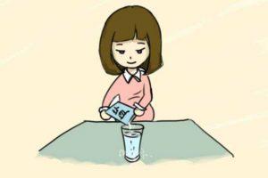 扁桃体发炎用盐水漱口,怎么漱口正确你知道吗?