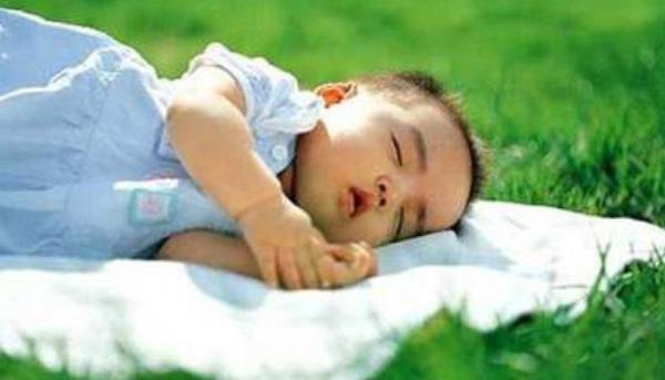 婴儿鞘膜积液能自愈吗