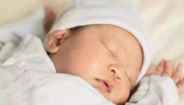 小婴儿鞘膜积液的症状有哪些